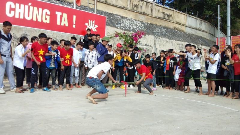 Ngày hội Văn hóa dân gian dân tộc Thái, H'Mông huyện Tủa Chùa (Điện Biên)