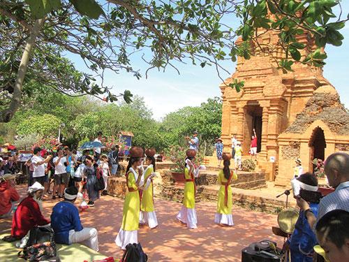 Bình Thuận: Kết nối đưa học sinh đến di sản văn hóa địa phương