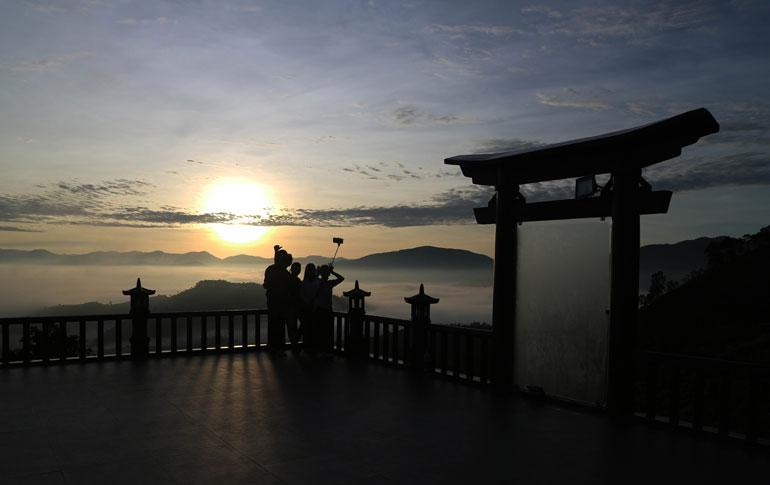 Linh Quy Pháp Ấn (Lâm Đồng) - Ngôi chùa trên mây