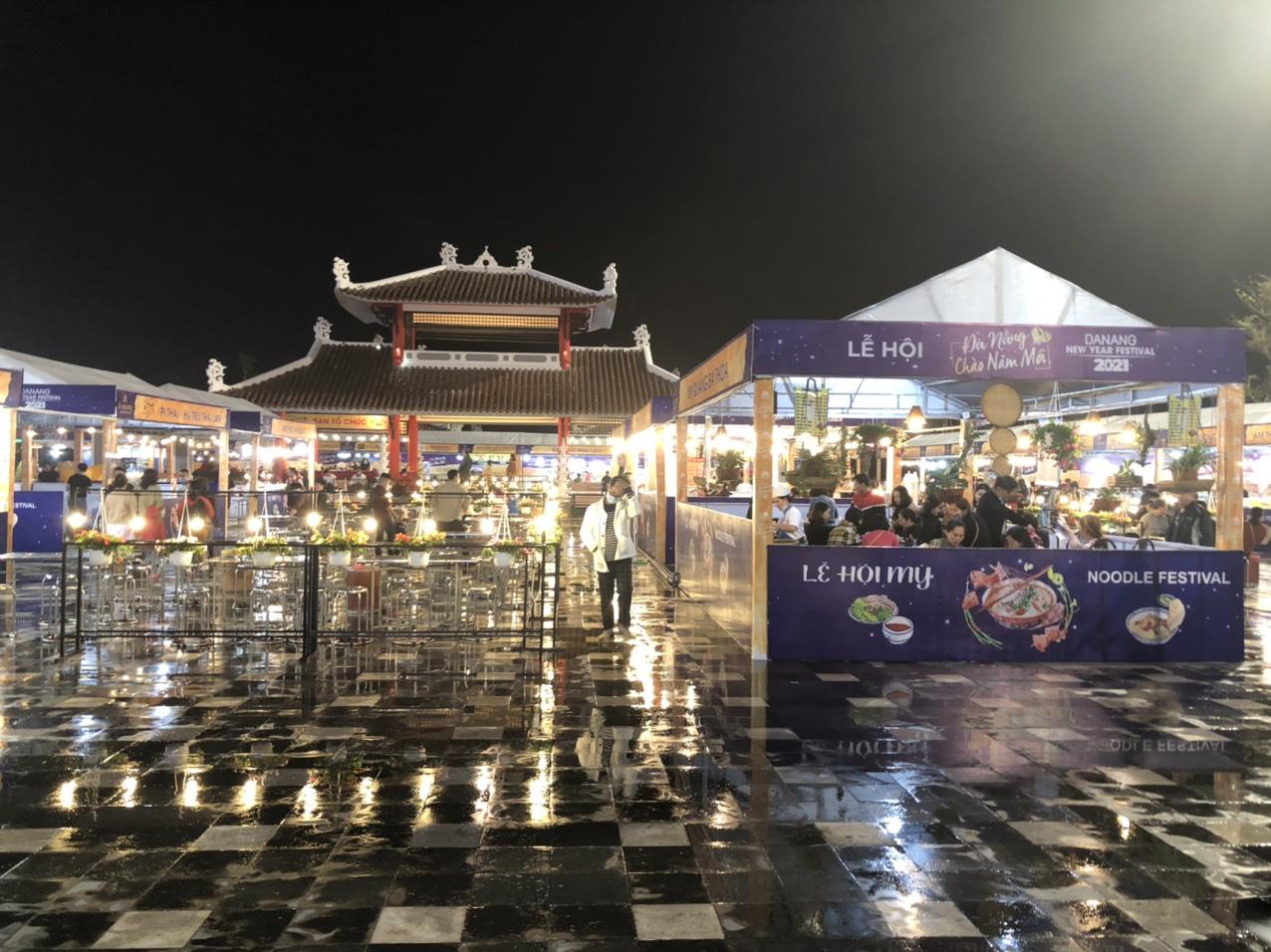Đà Nẵng rộn ràng sắc màu Lễ hội Chào Năm mới 2021