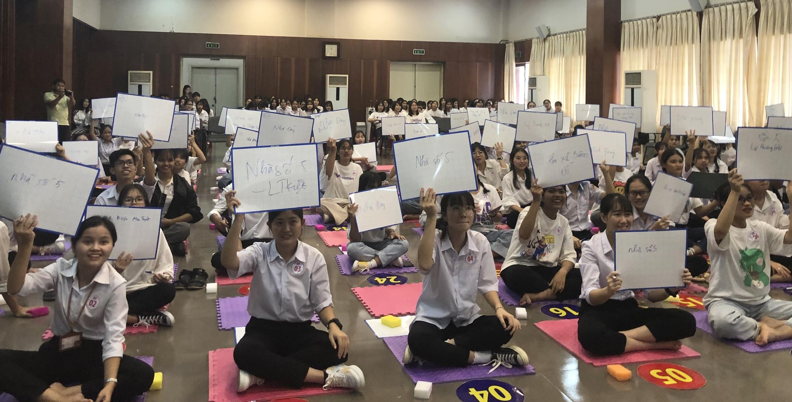 """Bảo tàng Đắk Lắk tổ chức chương trình """"Em yêu lịch sử"""