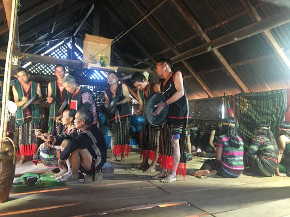 Nét đẹp văn hóa trong lễ mừng thọ của người M'nông Gar (Đắk Lắk)