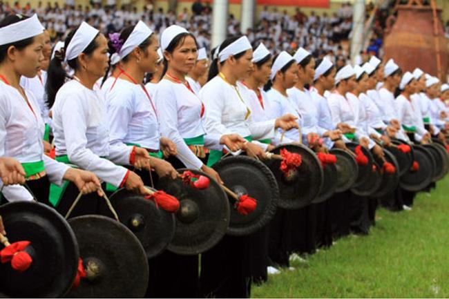 Tạm dừng tổ chức Ngày hội văn hóa dân tộc Mường