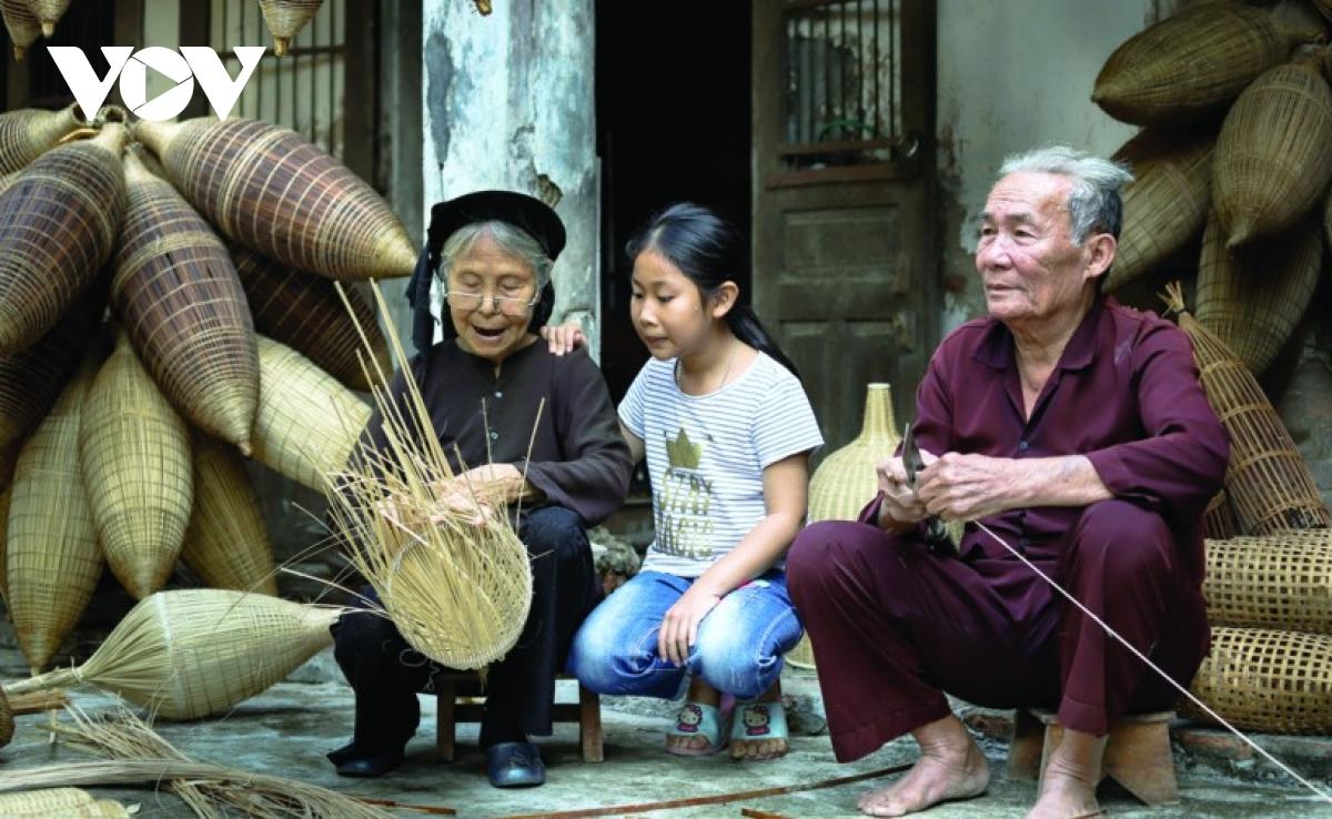 Nghề đan đó làng Thủ Sỹ ở Hưng Yên