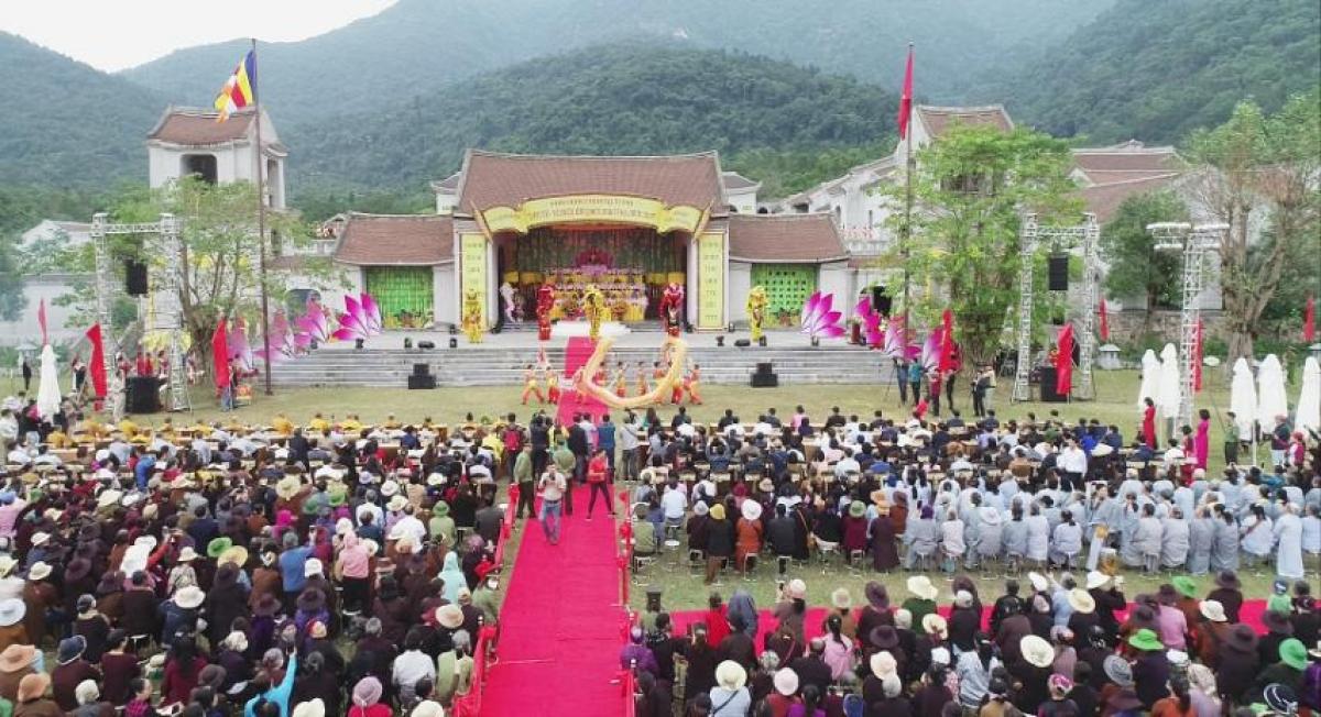 Bảo tồn, phát huy giá trị di sản văn hóa để phát triển du lịch Quảng Ninh
