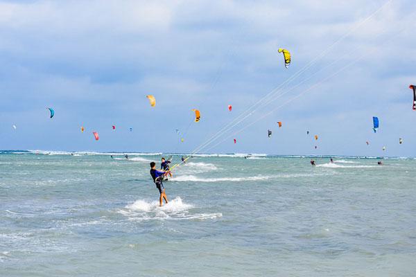 Ninh Chữ (Ninh Thuận) - Điểm đến của lướt ván diều quốc tế