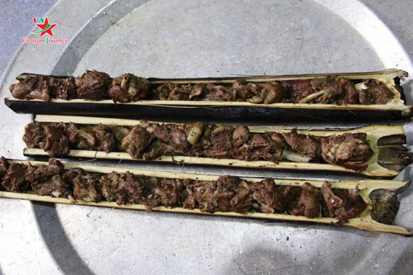 Vịt nướng ống lam – món ăn đặc sản của người Thái ở Sơn La