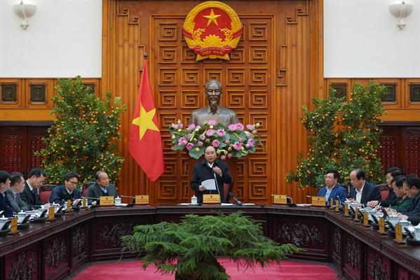 Thủ tướng: Triển khai ngay các giải pháp để giảm thiểu các tác động về kinh tế của dịch