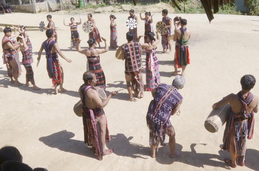 Đồng bào Cơ Tu (Quảng Nam) bảo tồn văn hóa