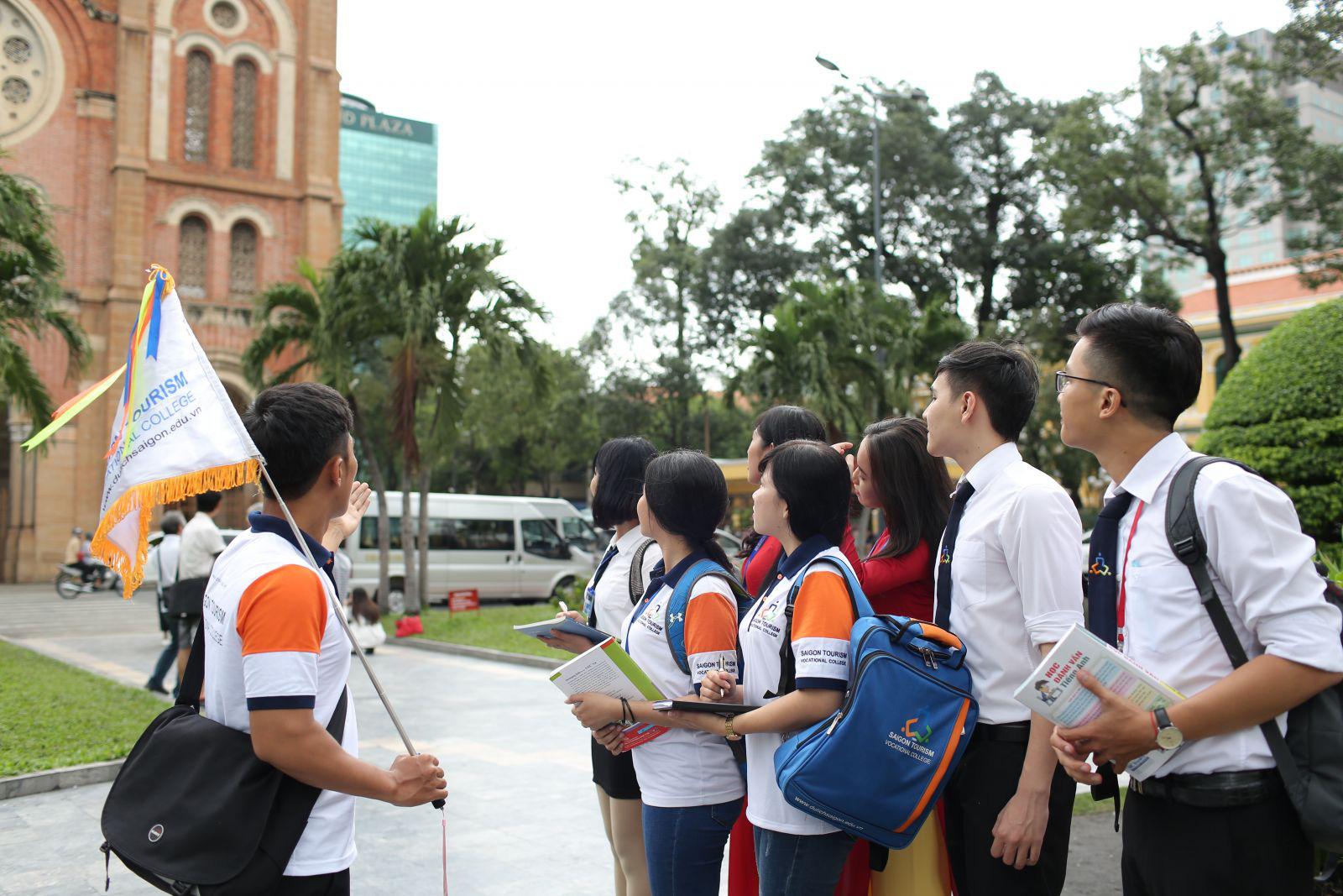 TP. Hồ Chí Minh cập nhật kiến thức cho hướng dẫn viên du lịch năm 2020
