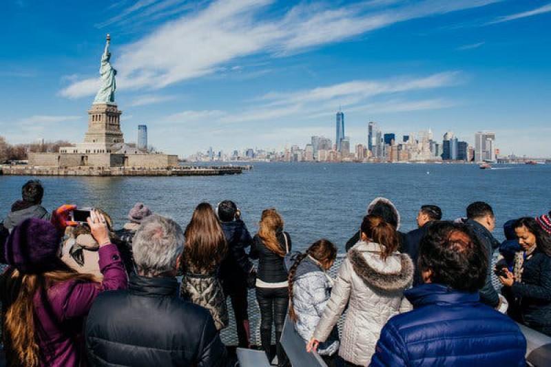 Năm 2019, tổng thu từ khách quốc tế đến toàn cầu vẫn tăng trưởng, nhưng mức tăng thấp hơn năm 2018
