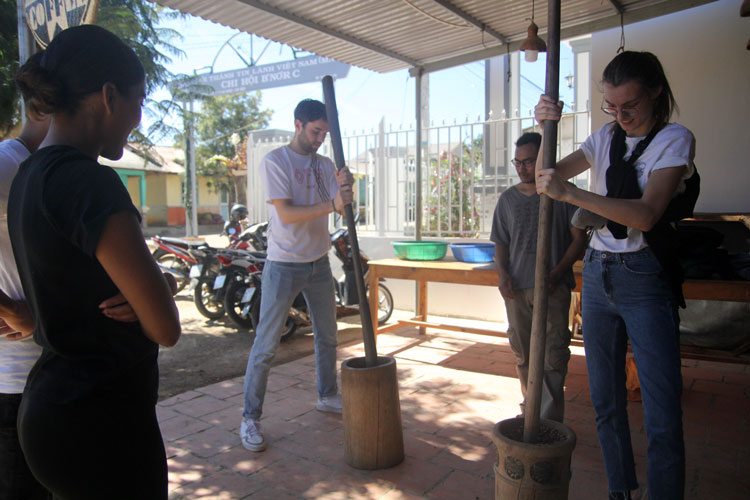 Trải nghiệm du lịch ở K'Ho Coffee