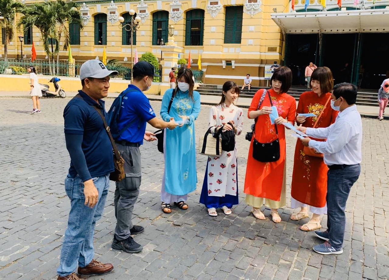 Khách quốc tế đánh giá cao công tác truyền thông và phòng chống dịch Covid-19 của Việt Nam