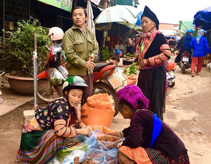 Nét văn hóa chợ phiên Mường Nhé – Điện Biên