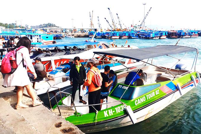 Bến tàu du lịch Cầu Đá (Khánh Hòa): Đón khoảng 1.200 khách vào ngày cuối tuần