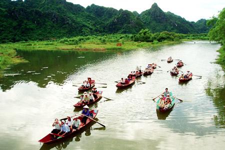 Hà Nội: Chùa Hương tạm dừng đón du khách đến hết tháng 3/2020