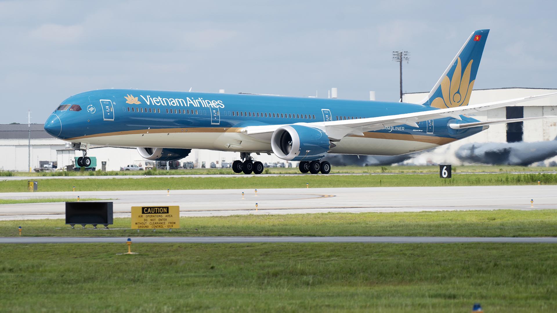 Vietnam Airlines tạm ngừng chấp nhận vận chuyển khách từ châu Âu về Việt Nam để phòng chống dịch