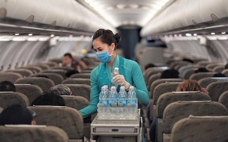 Tổng công ty Cảng hàng không Việt Nam: Từ chối làm thủ tục bay đối với hành khách không đeo khẩu trang