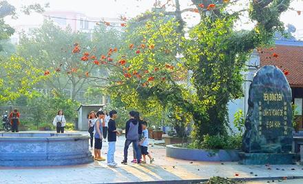 Di tích lịch sử văn hóa đền Đồng Bến ở Ninh Bình