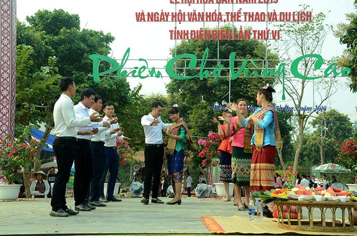 Gìn giữ nét đẹp văn hóa dân tộc Lào từ lễ Kin khẩu hó