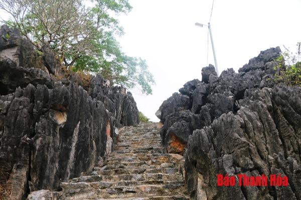 Núi Xuân Đài và mối liên hệ đặc biệt với Di sản Thành Nhà Hồ