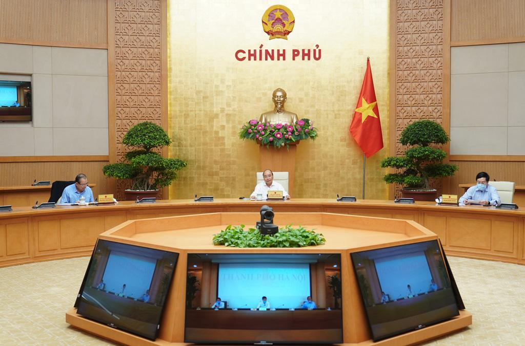 Thủ tướng ban hành Chỉ thị yêu cầu tiếp tục thực hiện phòng, chống dịch Covid-19 đồng thời khởi động lại hoạt động kinh tế
