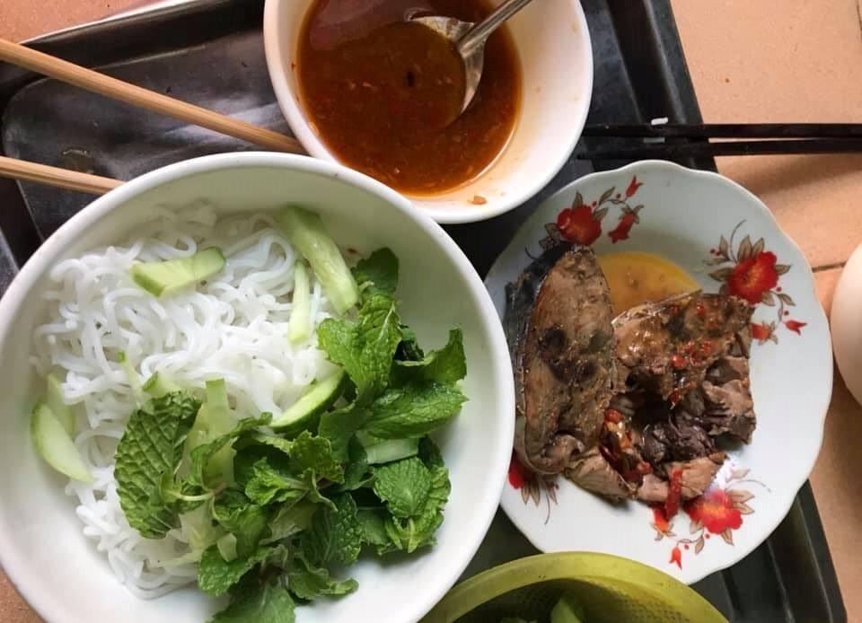Mộc mạc và khó quên với bún cá ngừ kho Phan Thiết