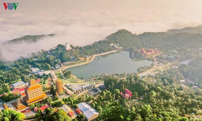 Các khu, điểm du lịch ở An Giang đã đón khách trở lại