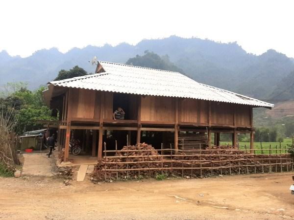 Nét độc đáo kiến trúc nhà sàn của người Tày ở Nam Quang (Cao Bằng)