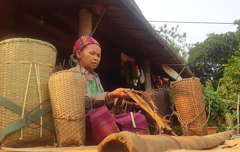 Gìn giữ và phát triển nghề đan lát truyền thống