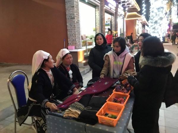 """Nơi """"hồi sinh"""" nghề dệt thổ cẩm của người Dao Tiền ở Cao Bằng"""