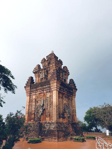 Tháp Nhạn (Phú Yên) – kiến trúc độc đáo
