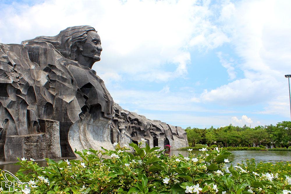 Quần thể tượng đài Mẹ Việt Nam Anh hùng, Quảng Nam