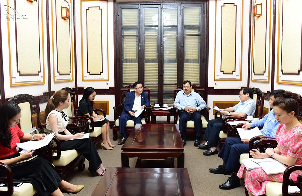 Tổng cục trưởng Nguyễn Trùng Khánh làm việc với Đại sứ du lịch Lý Xương Căn về định hướng xúc tiến du lịch Việt Nam
