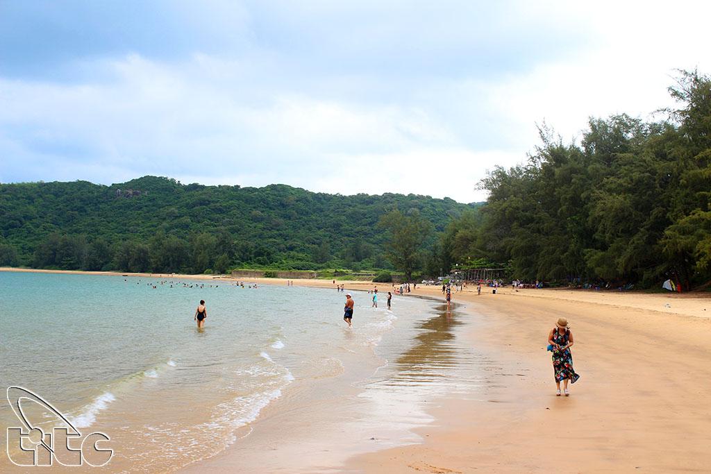 Vietnam Airlines triển khai mức giá vé hấp dẫn thu hút du khách đến Côn Đảo