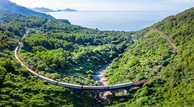 Khám phá miền Trung bằng tàu lửa dành cho khách VIP