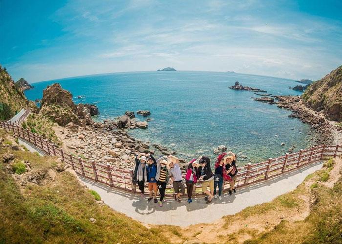 Du lịch biển đảo và thiên nhiên là lựa chọn ưu tiên của người Việt hậu Covid-19