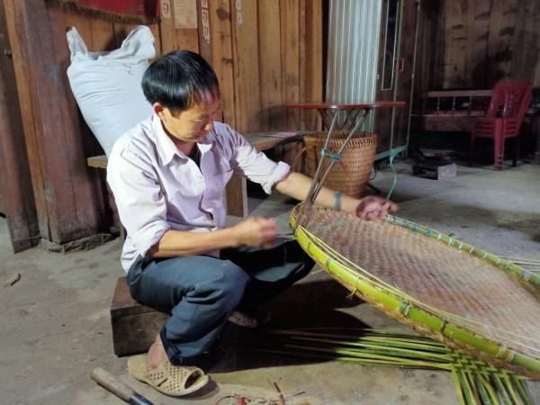 Độc đáo nghề đan lát truyền thống của người Dao Đỏ
