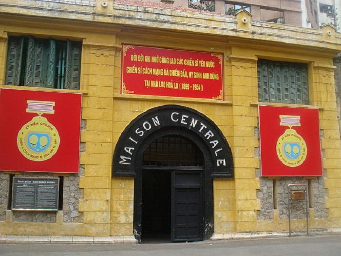 Di tích Nhà tù Hỏa Lò mở cửa trở lại, tặng quà 500 khách tham quan đầu tiên