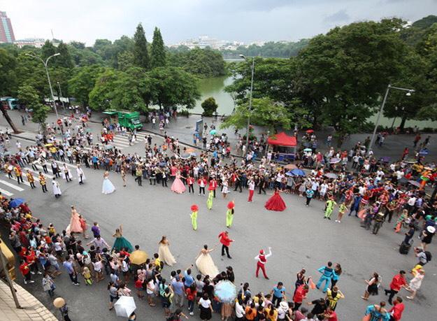 Phố đi bộ quận Hoàn Kiếm hoạt động trở lại từ ngày 15/5