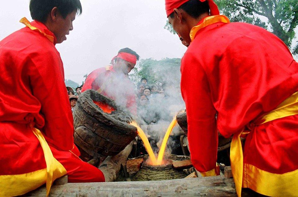 Nghề đúc đồng làng Chè - Trà Đông (Thanh Hóa) - sản phẩm của những nghệ nhân tài hoa
