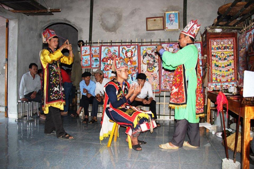 Lễ cấp sắc của người Dao quần chẹt (Phú Thọ)