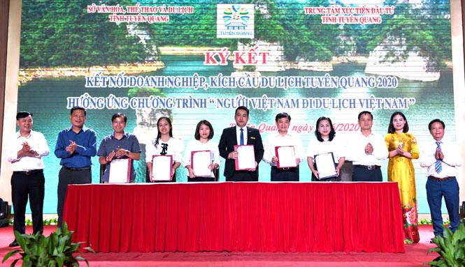"""Tuyên Quang kết nối doanh nghiệp, kích cầu du lịch, hưởng ứng Chương trình """"Người Việt Nam đi du lịch Việt Nam"""""""