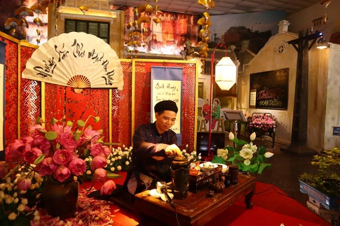 Hương sắc thảo mộc Đoan Dương tại Hoàng thành Thăng Long