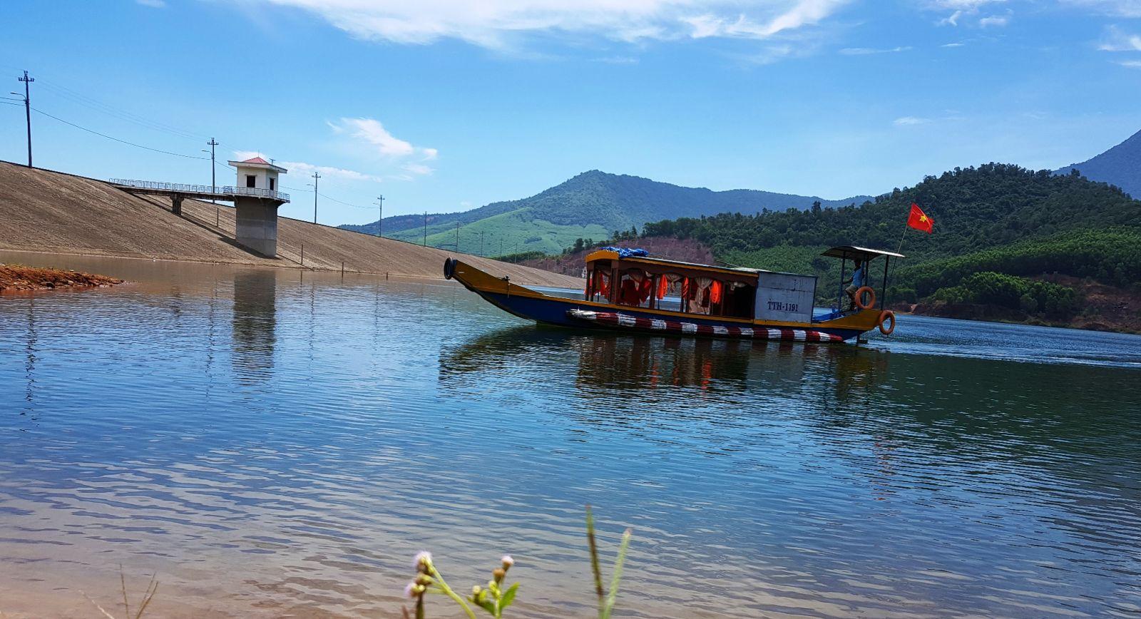 Du lịch Thủy Yên (Thừa Thiên Huế): Trải nghiệm lòng hồ và suối thác hoang sơ
