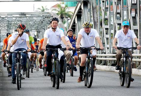 """Hội thảo """"Huế, thành phố xe đạp - bản sắc cộng đồng và hình ảnh thành phố đạp xe thân thiện với môi trường"""""""