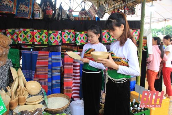 Đặc sản, ẩm thực địa phương – lợi thế để phát triển du lịch miền núi xứ Thanh