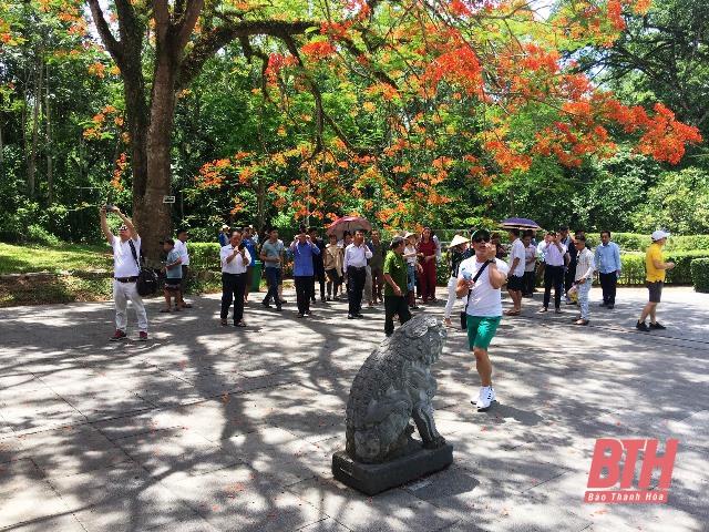 Các đoàn famtrip tỉnh Ninh Bình và tỉnh Quảng Nam khảo sát một số khu, điểm du lịch trên địa bàn tỉnh Thanh Hóa