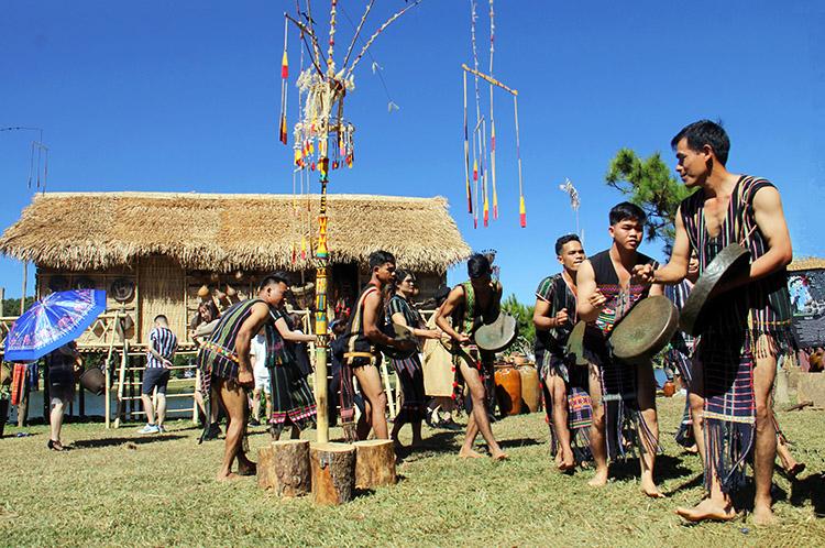 Làng Buôn Go – Cát Tiên nơi lưu giữ văn hóa dân tộc Mạ