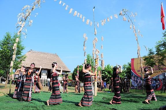 """""""Ngày hội gia đình"""" tại Làng Văn hóa - Du lịch các dân tộc Việt Nam"""